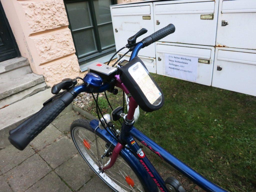 Foto vom am Fahrrad befestigten iPhone