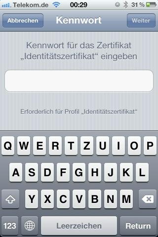 Screenshot der Kennworteingabe für das Zertifikat auf dem iPhone