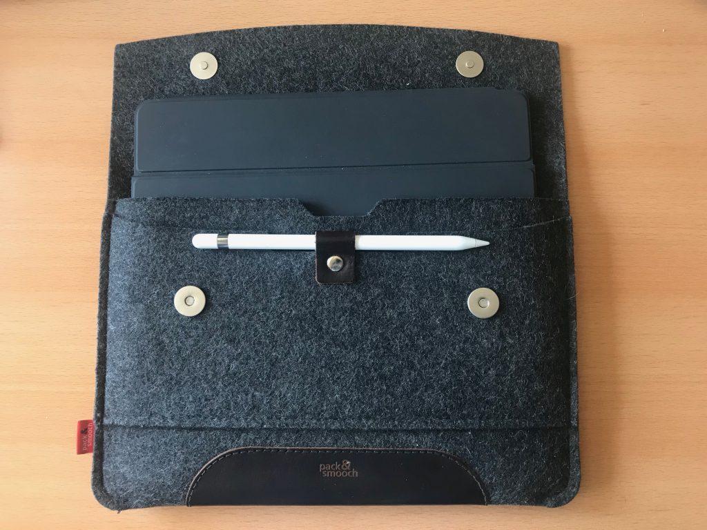 Foto der iPad-Hülle im geöffneten Zustand