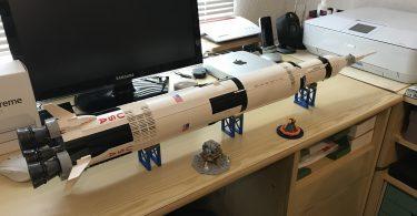 Foto der Saturn-V-Rakete von Lego
