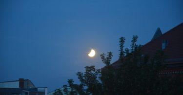 Foto der partiellen Mondfinsternis