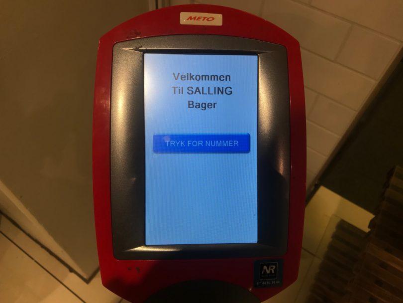 Foto eines Ausgabeautomats für Nummern