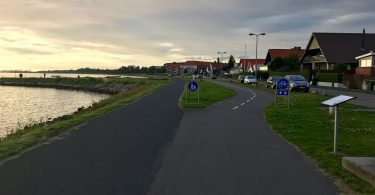 Unterwegs auf einem Radweg