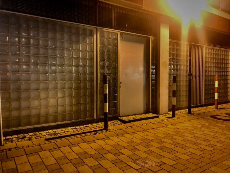Symbolfoto einer Hintertür