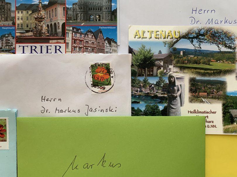 Briefe und Postkarten (Symbolbild)
